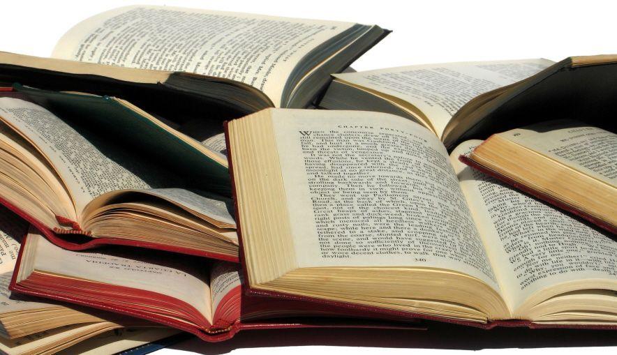 Perkuat Karakter dalam Tulisan dengan 5 Tips A la Wisnu Suryaning Adji