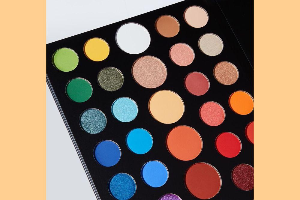 Tertarik Belajar Art Makeup? Ini 7 Barang yang Wajib Kamu Punya