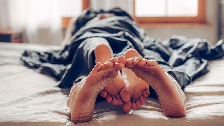 Bangkitkan Gairah! Ini 10 Cara Mengatasi Kecanggungan Saat Bercinta