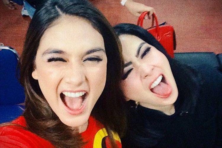 Awalnya Akrab, 7 Persahabatan Artis Indonesia Ini Merenggang
