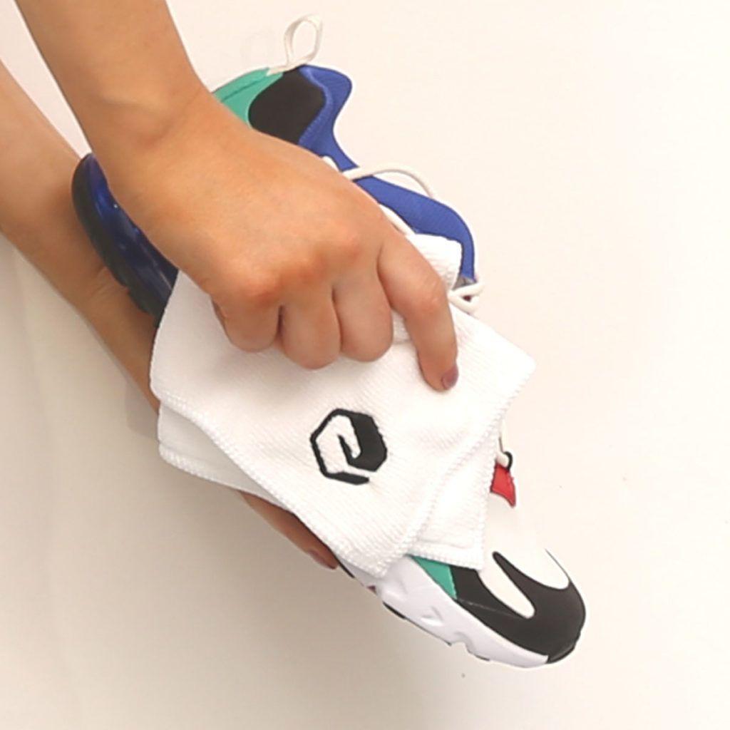 Tips Mencuci Sepatu saat Musim Hujan