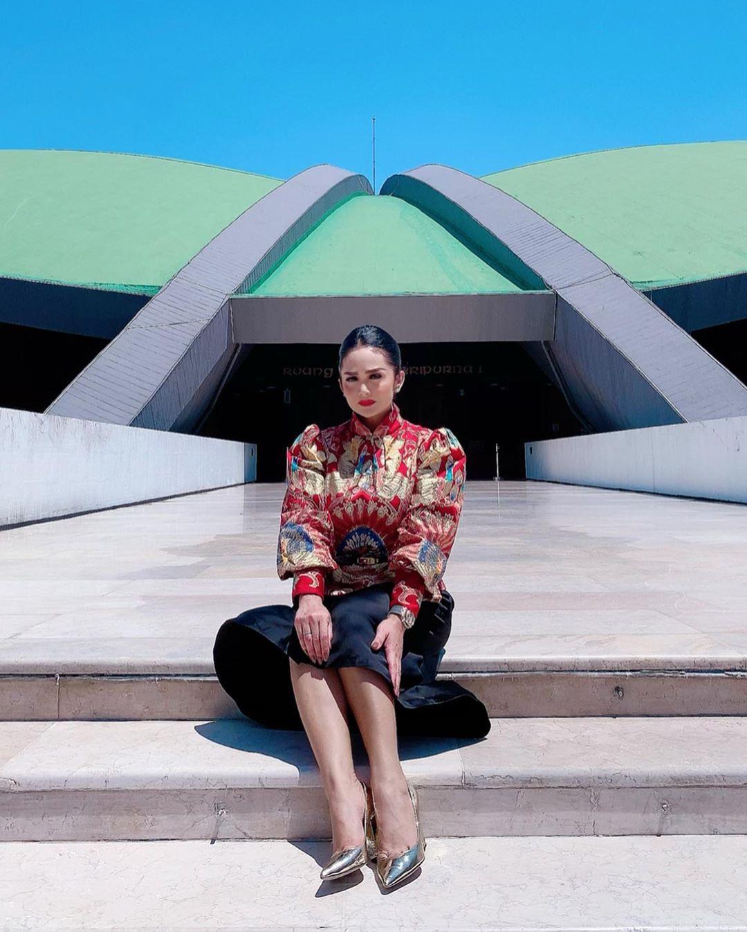 Gaya Artis Perempuan yang Kini Menjabat sebagai Anggota DPR RI