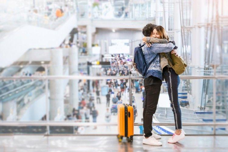 4 Kado Unik untuk Pasangan Saat LDR, Terkesan Spesial!