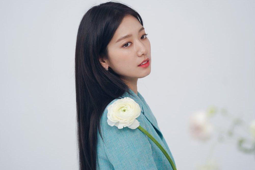 5 Perawatan Rambut a la Seleb Korea yang Bisa Dilakukan di Rumah
