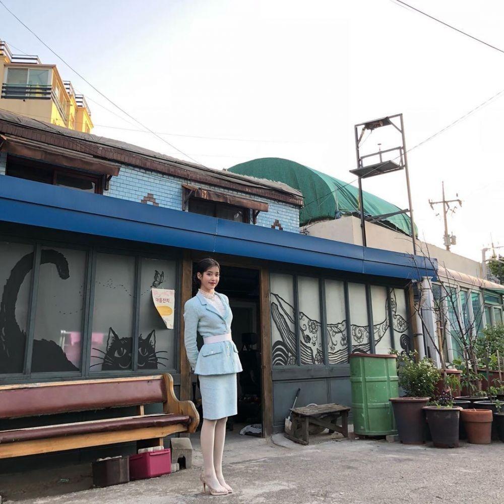 Tips Mengenakan Blazer Seperti Wanita Korea
