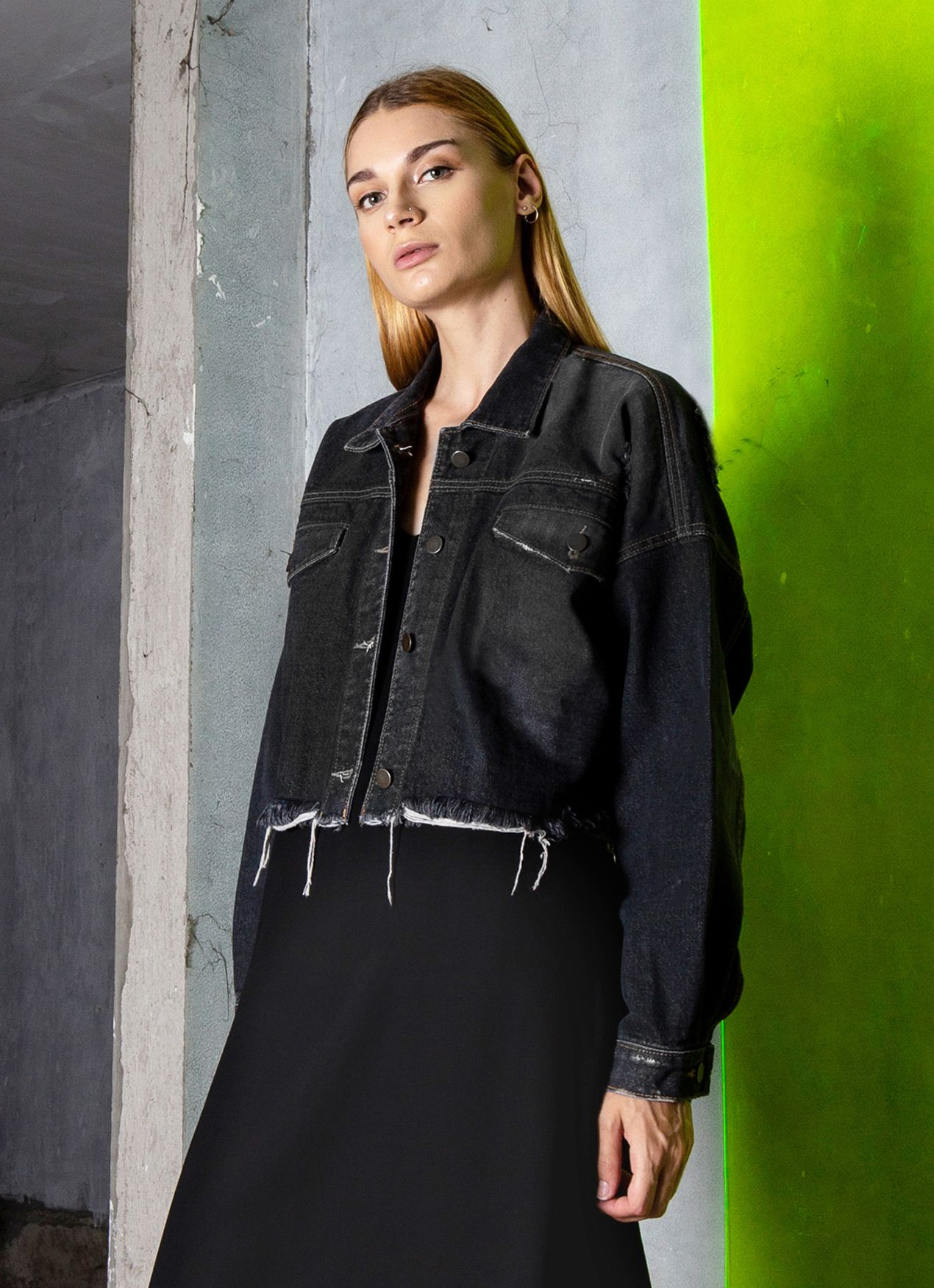 #PopbelaOOTD: Ciptakan Gaya Denim on Denim dengan Fashion Item Ini