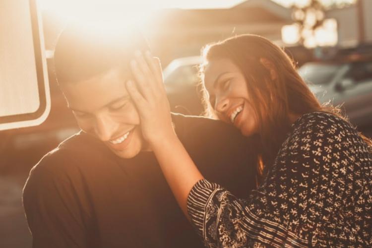 Cara Menjaga 12 Zodiak Bahagia dalam Suatu Hubungan