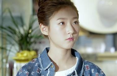 Pernah Diisukan Merokok dan Mabuk, Ini 9 Fakta Unik Aktris Kim Sae Ron