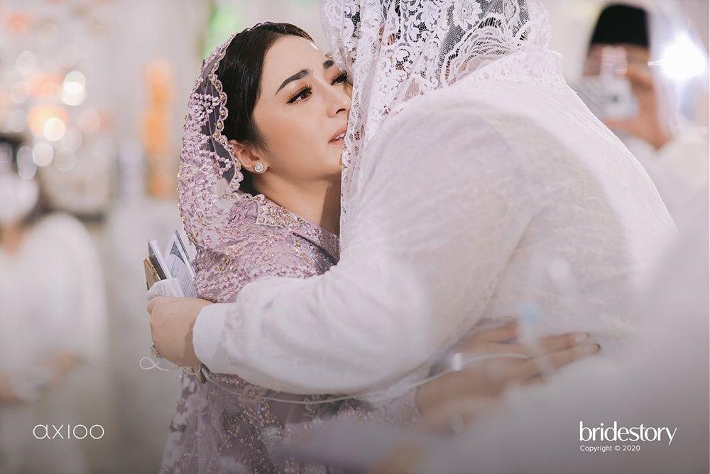 Penuh Haru, Ini 10 Momen Pengajian Jelang Pernikahan Nikita Willy