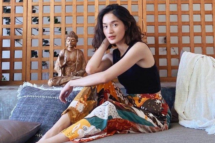 Gaya Jeanneta Sanfadelia Pacar Ardhito Pramono Yang Jarang Disorot