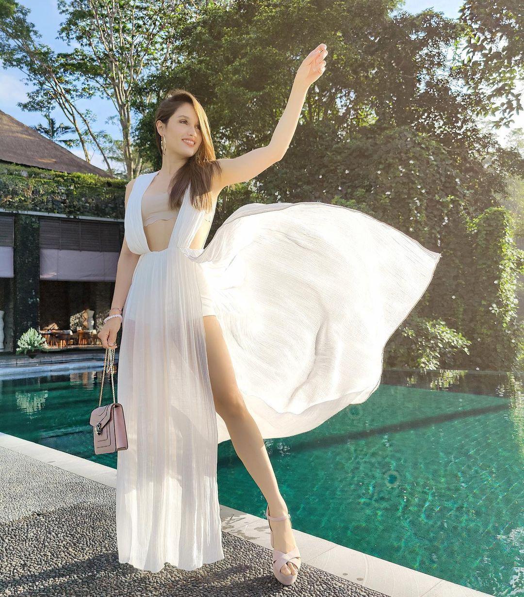 Potret SeksiCinta Laura Kiehl, Sekarang jadi Anak Pantai di Bali