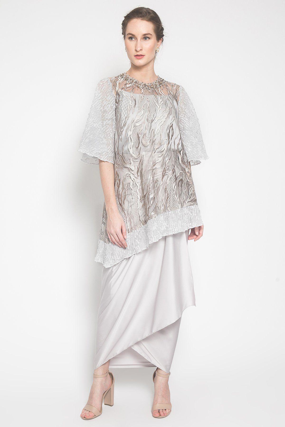 #PopbelaOOTD: Rekomendasi Outfit untuk Hadiri Wisuda Virtual