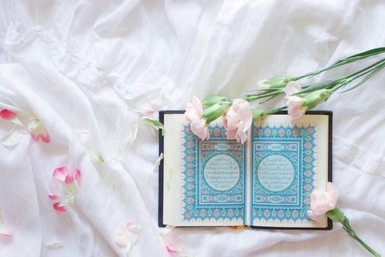 Meningkatkan Iman, Mari Mengenal 20 Sifat Wajib Allah SWT dan Artinya
