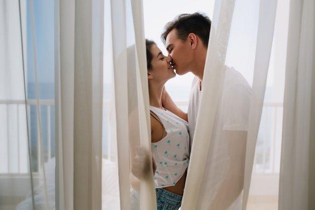 Bikin Dia 'Liar' Seketika, Ini 7 Ide Foreplay untuk Pasangan