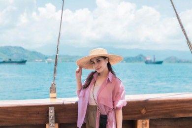 Rayakan Anniversary, Ini Harga Outfit Nagita Slavina Labuan Bajo