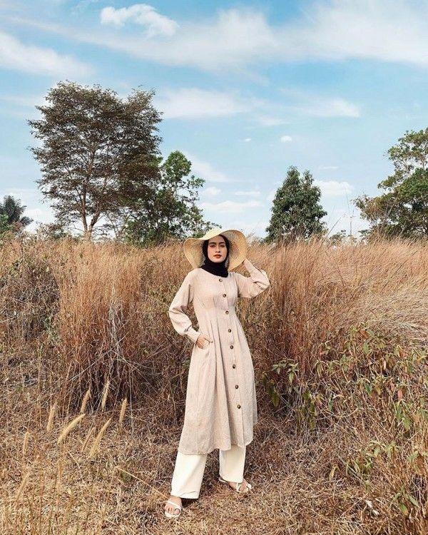 Tips memadupadankan topi untuk Hijabers a La Selebgram Indonesia