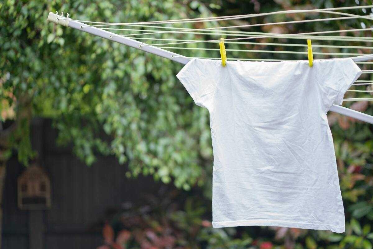 7 Cara Merawat T-Shirt Kesayanganmu