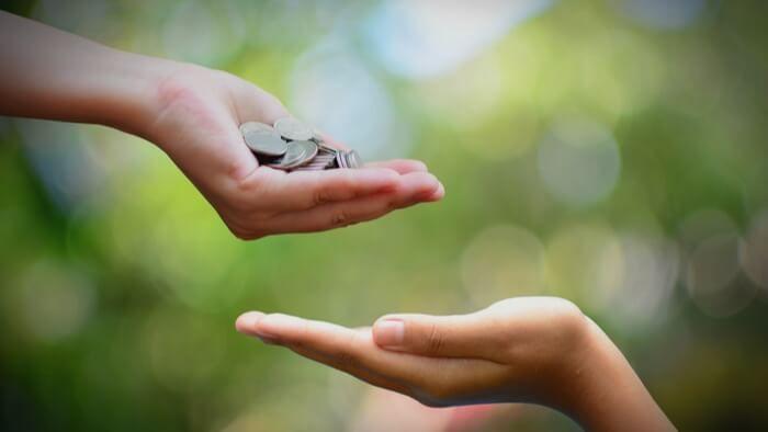 Tidak Akan Bikin Miskin, Ini 3 Janji Allah Bagi Kamu yang Bersedekah