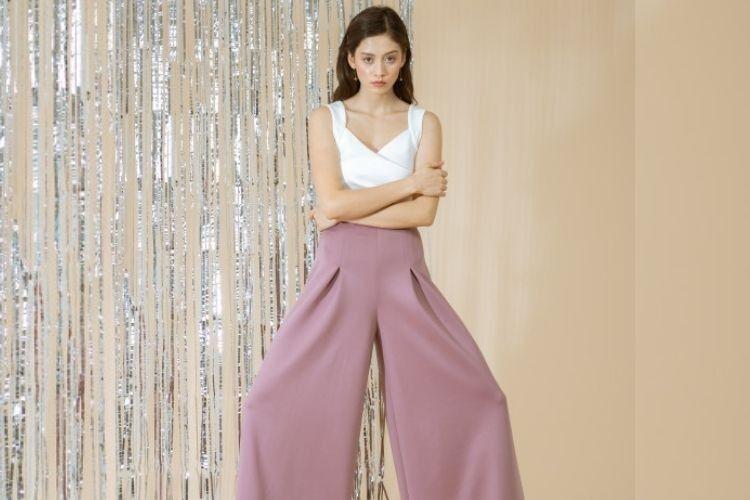 #PopbelaOOTD: Saatnya Tampil Beda dengan Celana Ungu dari Brand Lokal