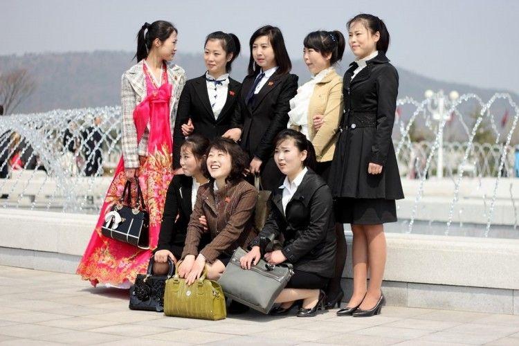 Intip Modisnya Gaya Pakaian Perempuan di Korea Utara