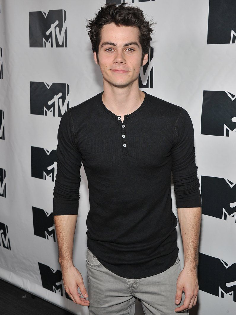 10 Fakta Dylan O'Brien yang Curi Perhatian di Film Love and Monsters