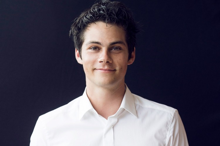 "10 Fakta Dylan O'Brien yang Curi Perhatian di Film ""Love and Monsters"""