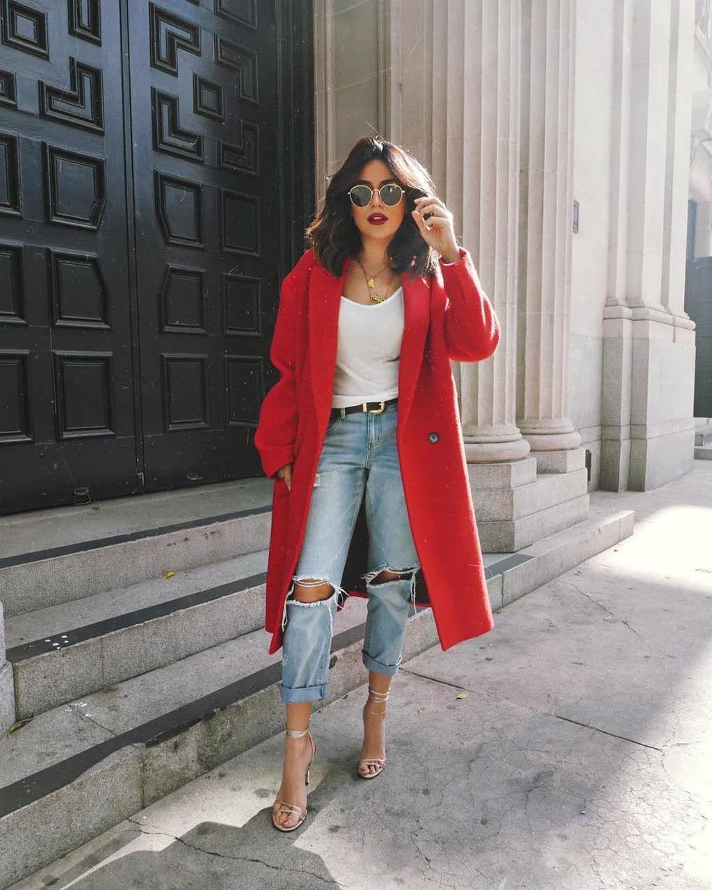 Tips Memakai Outfit Warna Cerah, Dijamin Makin Pede!