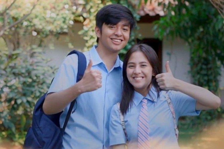 10 Rekomendasi Film Romantis Indonesia yang Sukses Bikin Baper