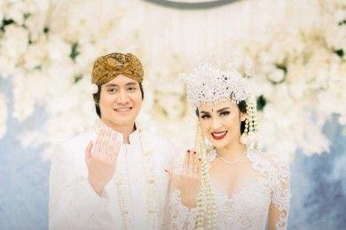 Didoakan Presiden, 11 Momen Pernikahan Kevin Aprilio Vicy Melanie
