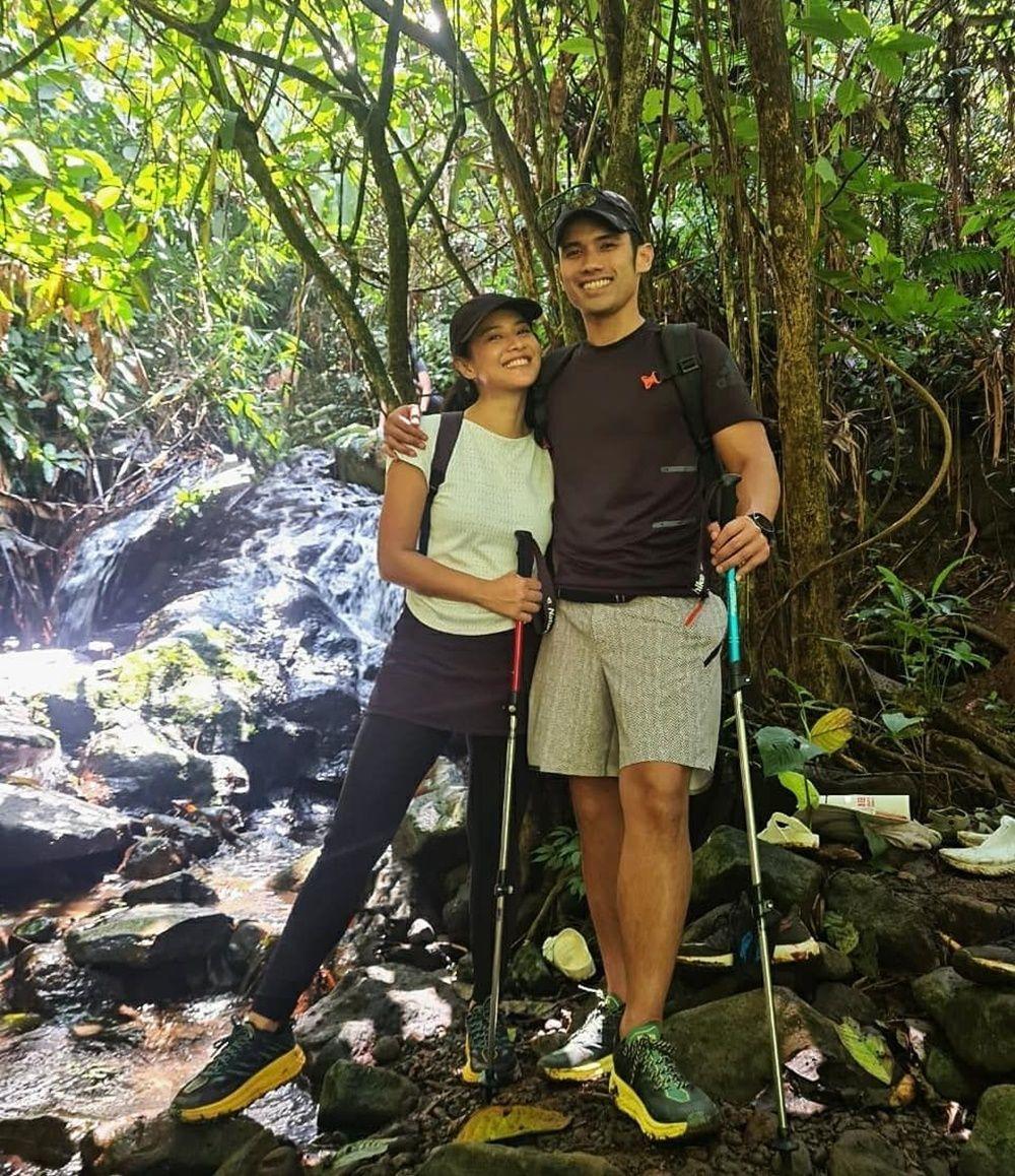 9 Potret Pasangan Artis Saat Olahraga Bareng, Sehat dan Kompak!