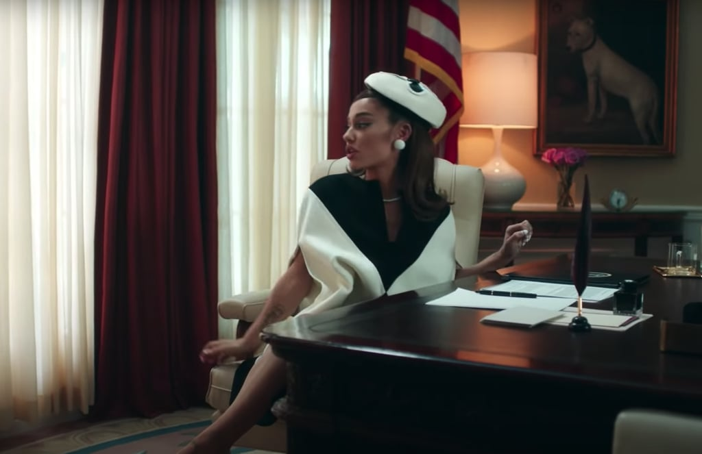 Gaya Seksi Ariana Grande jadi Presiden di Video Klip Positions