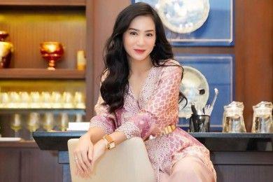 Intip Transformasi Gaya Bunga Zainal dari Masa ke Masa, Makin Glamor