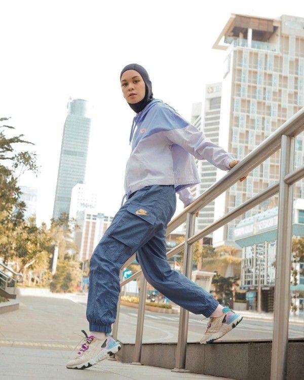 Tips Memilih Baju Olahraga untuk Hijab