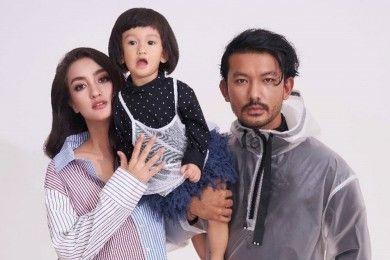 Family Goals Intip 10 Potret Harmonis Rio Dewanto Keluarga