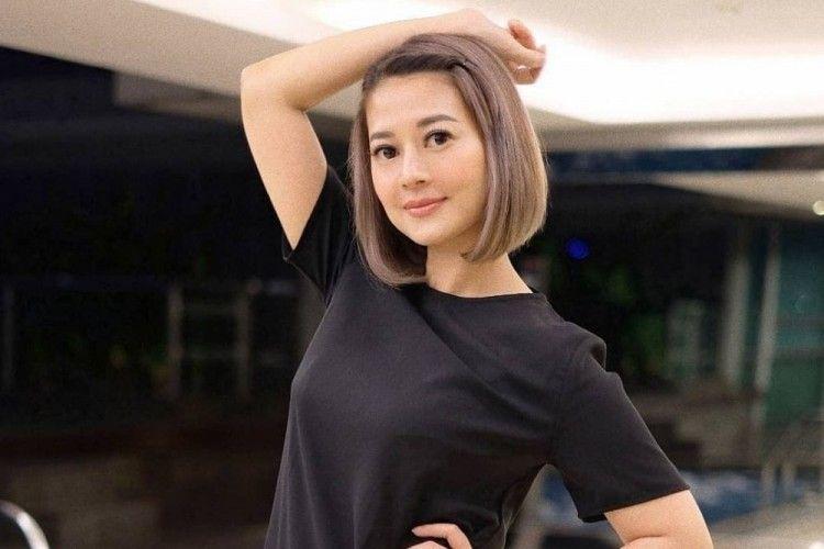 Bening Banget, Intip 7 Pesona Heny Harun di usia 46 tahun!