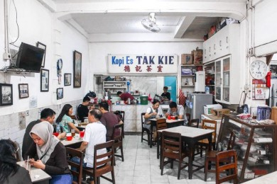 Wajib Coba, Ini 10 Kedai Kopi Paling Legendaris Indonesia