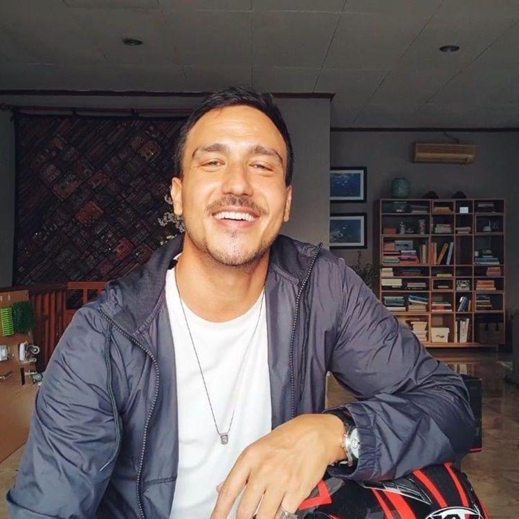 10 Artis Tanah Air Berdarah Australia yang Pesonanya Bikin Meleleh