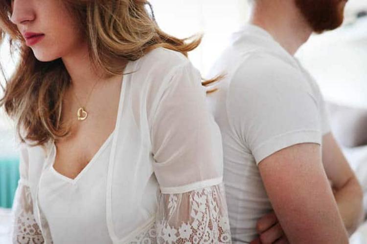 15 Tanda Menyakitkan ketika Suami Tidak Mencintaimu Lagi