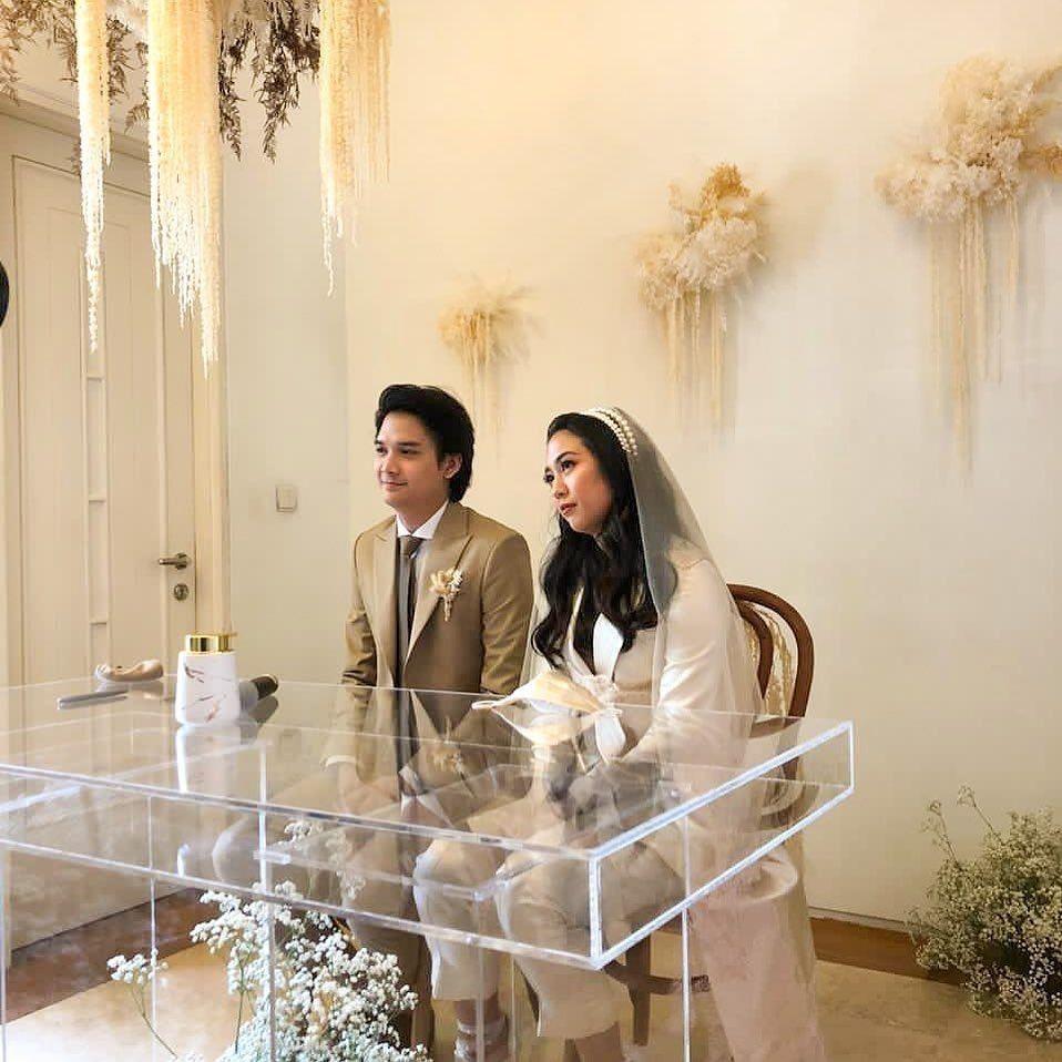 Sherina Munaf dan Deretan Artis Lainnya yang Pakai Celana saat Menikah