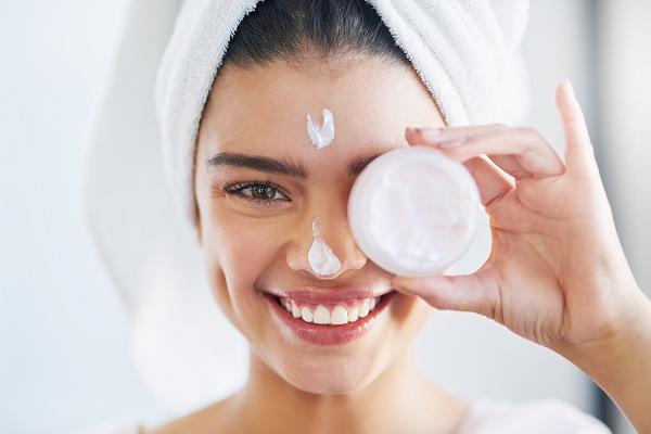 Anti-Stres, Andalkan Skincare untuk Self Care di Saat Pandemi