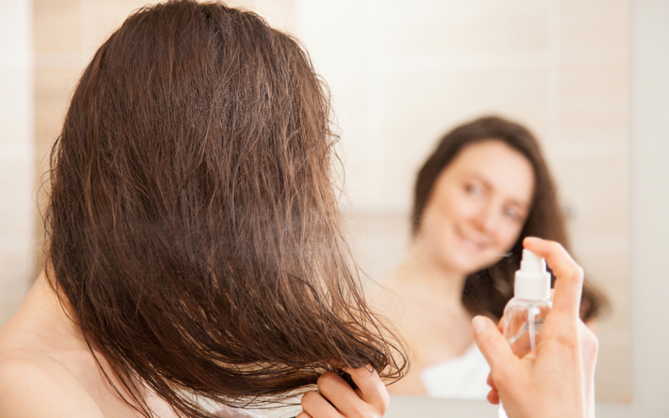 Mudah Banget, Ini 5 Tips Atasi Bad Hair Day untuk Cewek Berhijab