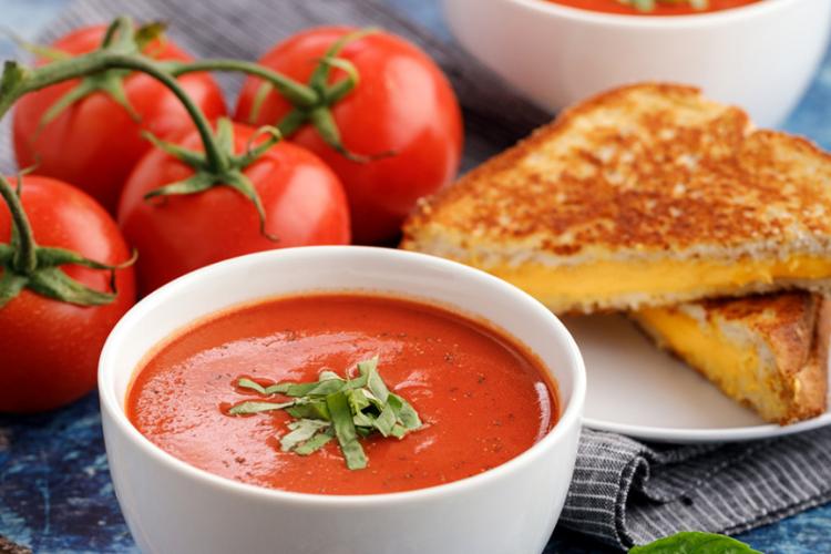 5 Langkah Mudah Membuat Sup Tomat yang Ampuh Jaga Imun Selama Pandemi