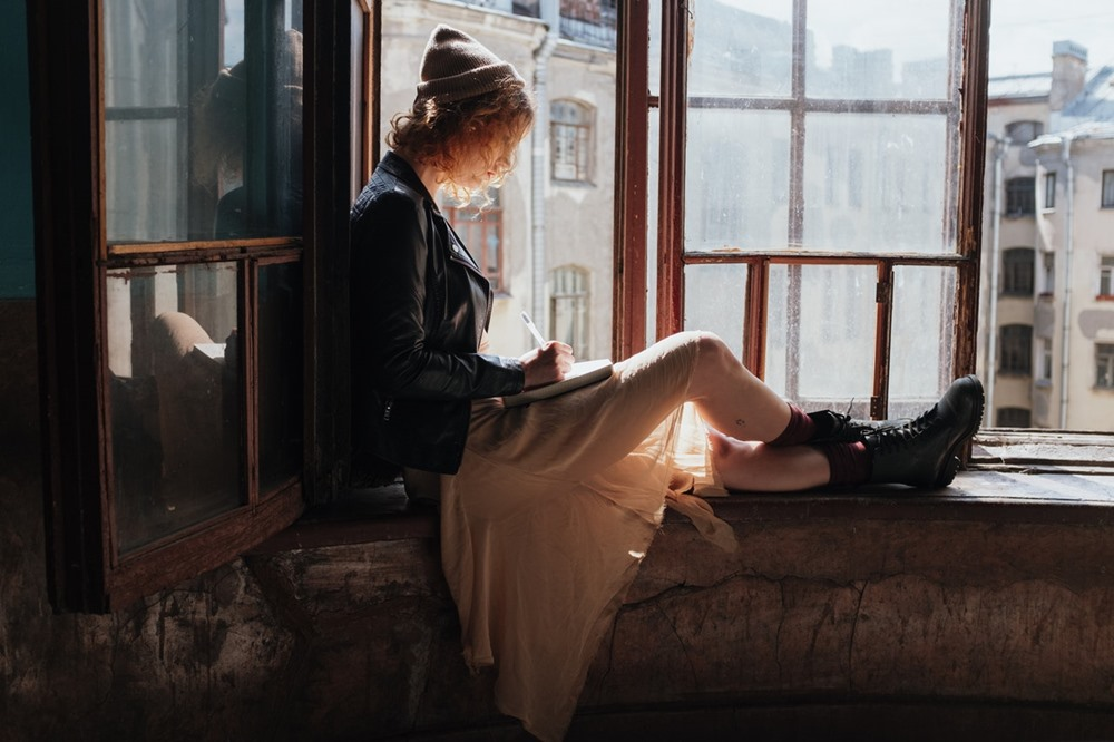 5 Pikiran Toxic Ini Bikin Kamu Susah Move On Setelah Putus Cinta