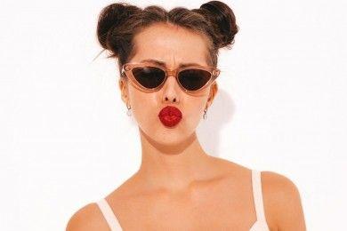 9 Tips Mengatasi Bibir Kering Pecah-pecah, Gampang Banget