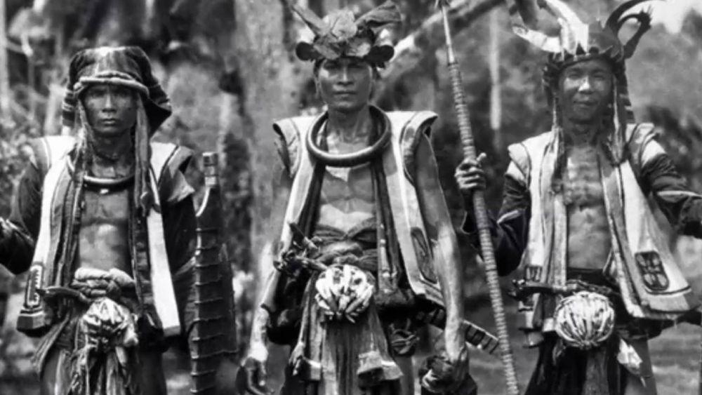 7 Tradisi Indonesia Paling Ekstrem, Bikin Ngilu Lihatnya!