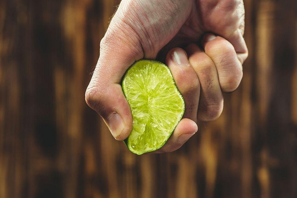 Ampuh Banget, Ini 7 Cara Memutihkan Ketiak Secara Alami