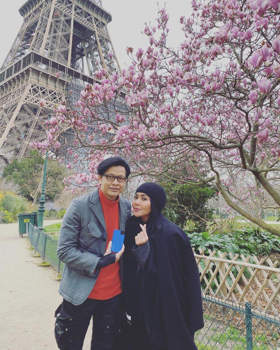 7 Gaya Pasangan Artis Indonesia yang Kompak dan Hidup Bahagia