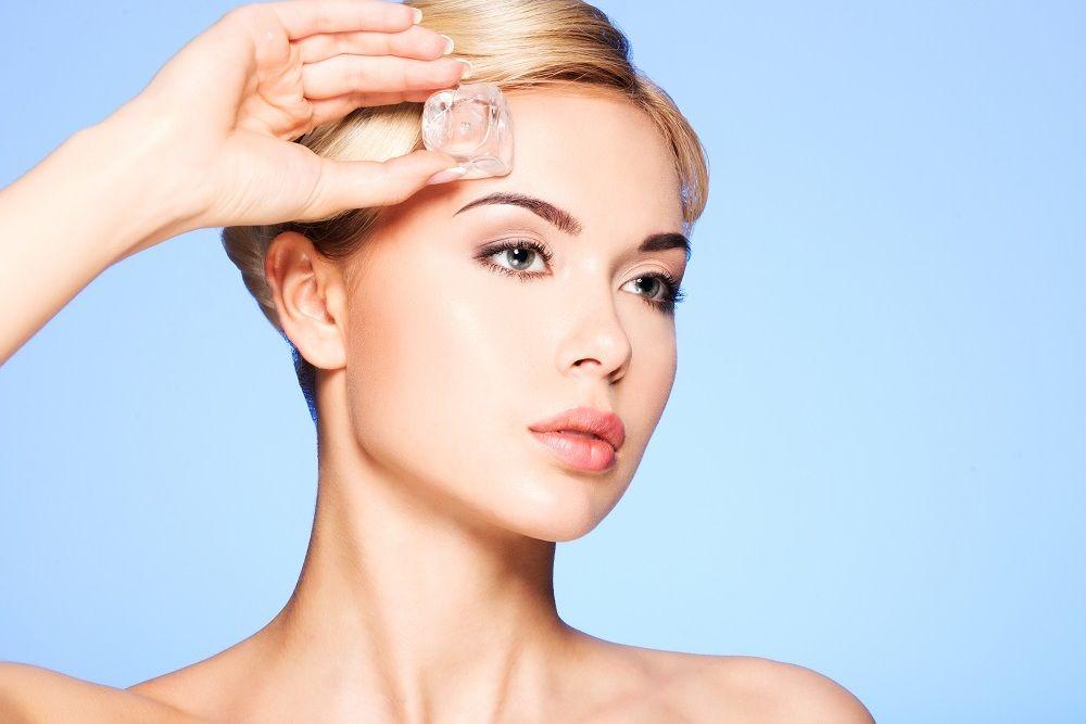 5 Manfaat Es Batu untuk Kecantikan, Nggak Nyangka Bikin Awet Muda