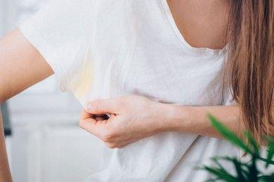 Baju Tetap Bersih, Ini Cara Menghilangkan Bekas Deodoran