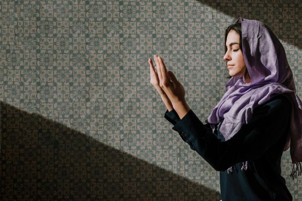 6 Hadits tentang Wanita dan Kemuliaannya dalam Islam